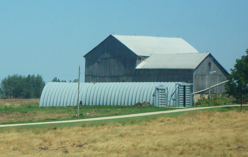 quonset barn building